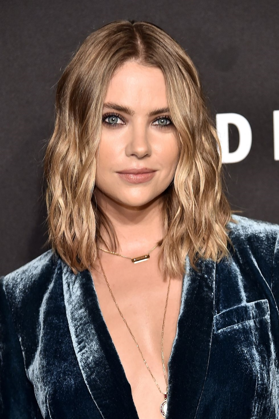 Ashley Benson Benson's been known to move on from hairstyles quick, but one thing she's kept consistent the past year is a short cut. Team MC has kept up with her ever-changing hair in 2019, but these golden mermaid waves reign supreme. Case in point: figuring out the shade that complements your skin tone the most should be a priority.