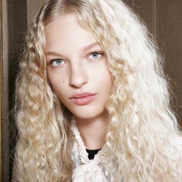 Frisuren mit Locken Blondes