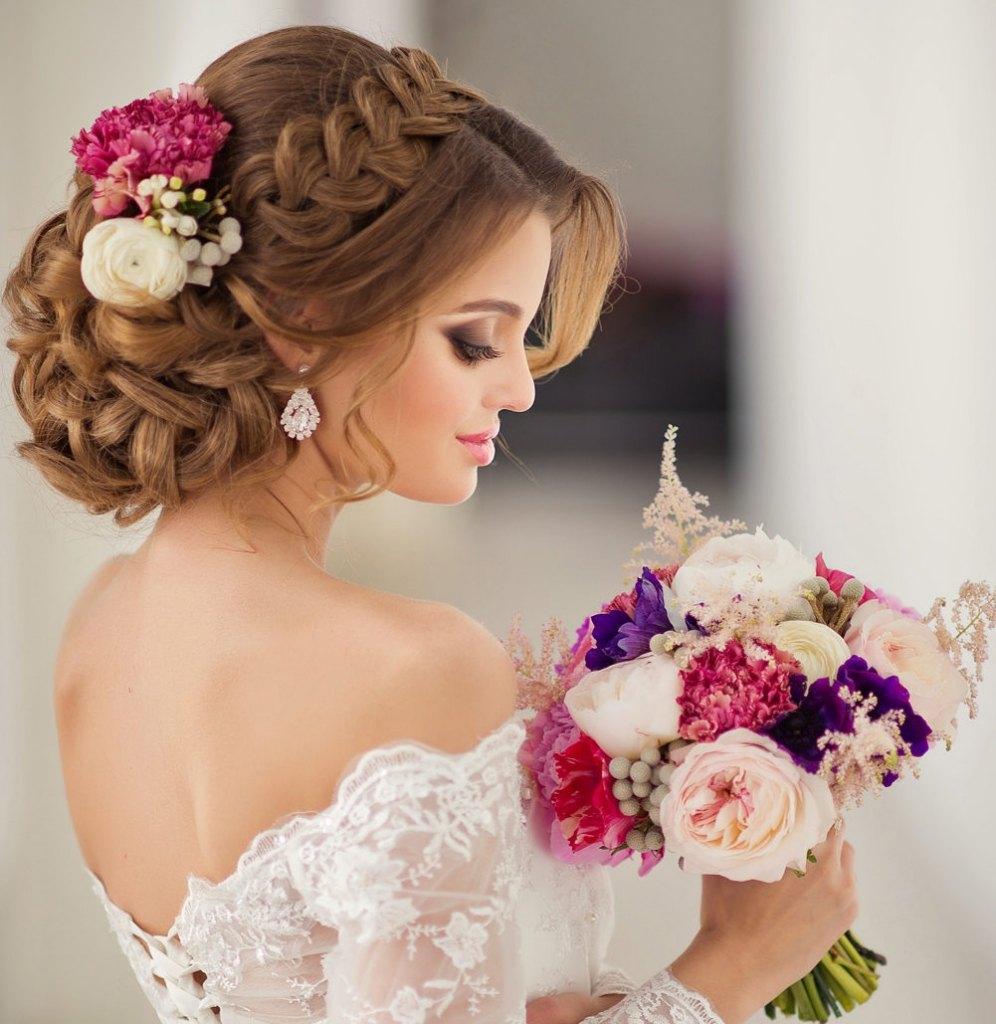 Geflochtenes Haar Hochzeitsfrisuren